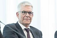 14 JUN 2018, BERLIN/GERMANY:<br /> Dr. Thomas Bellut, Intendant ZDF, Pressekonferenz zur Reform des Telemedienauftrags der oeffentlich-rechtlichen Rundfunkanstalten, Landesvertretung Rheinland.-Pfalz<br /> IMAGE: 20180614-01-046
