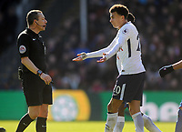 Football - 2017 / 2018 Premier League - Crystal Palace vs. Tottenham Hotspur<br /> <br /> Referee, K Friend has words with Dele Alli of Tottenham after he had gone down in the box at Selhurst Park.<br /> <br /> COLORSPORT/ANDREW COWIE