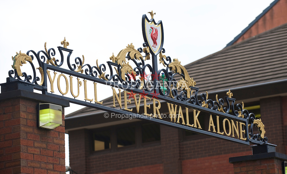 LIVERPOOL, ENGLAND - Thursday, August 5, 2010: The Shankly Gates, adorned with 'You'll Never Walk Alone' after Liverpool Football Club's anthem outside at Anfield. (Pic by: David Rawcliffe/Propaganda)