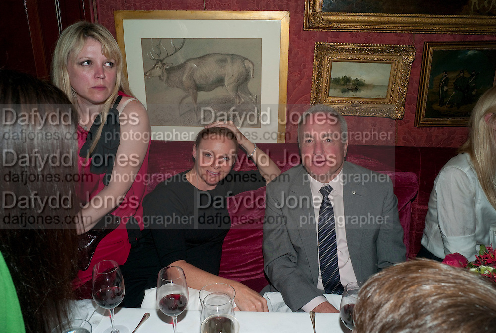 STELLA MCCARTNEY; LORNE MICHAELS, Dinner hosted by Elizabeth Saltzman for Mario Testino and Kate Moss. Mark's Club. London. 5 June 2010. -DO NOT ARCHIVE-© Copyright Photograph by Dafydd Jones. 248 Clapham Rd. London SW9 0PZ. Tel 0207 820 0771. www.dafjones.com.