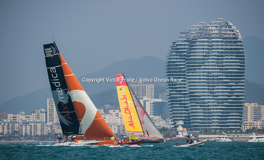 February 07, 2015. Team Vestas Wind In-Port Race: Team Alvimedica, Abu Dhabi Ocean Racing