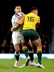 Ben Te'o of England is tackled by Israel Folau of Australia - Mandatory by-line: Robbie Stephenson/JMP - 03/12/2016 - RUGBY - Twickenham - London, England - England v Australia - Old Mutual Wealth Series