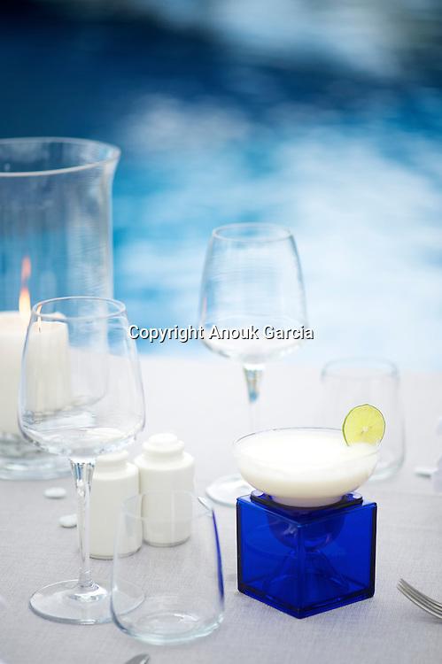 C beach | Nouvelle adresse le C beach, farniente le jour et night party accueil durant 5 set par an les meilleures djettes du monde.