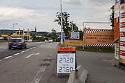 Euro Kurs an einer Wechselstube an der ehemaligen Grenzstation in Dolni Dvoriste - von 1955 bis 1989 lag der Ort am Eisernen Vorhang.