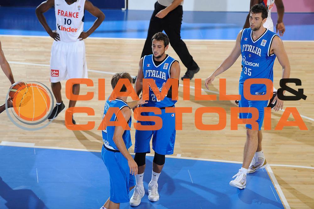 DESCRIZIONE : Cagliari Eurobasket Men 2009 Additional Qualifying Round Italia Francia<br /> GIOCATORE : Marco Belinelli Andrea Bargnani<br /> SQUADRA : Italia Italy Nazionale Italiana Maschile<br /> EVENTO : Eurobasket Men 2009 Additional Qualifying Round <br /> GARA : Italia Francia Italy France<br /> DATA : 05/08/2009 <br /> CATEGORIA : esultanza<br /> SPORT : Pallacanestro <br /> AUTORE : Agenzia Ciamillo-Castoria/G.Ciamillo