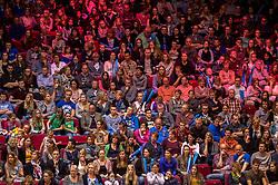 17-04-2016 NED: Play off finale Abiant Lycurgus - Seesing Personeel Orion, Groningen<br /> Abiant Lycurgus is door het oog van de naald gekropen tijdens het eerste finaleduel om het landskampioenschap. De Groningers keken in een volgepakt MartiniPlaza tegen een 0-2 achterstand aan tegen Seesing Personeel Orion, maar mede dankzij invaller Gino Naarden kwam Lycurgus langszij en pakte het de wedstrijd met 3-2 / Support publiek MartiniPlaza