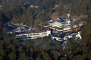 Nederland, Noord-Holland, Hilversum, 10-01-2009; landgoed Zonnestraal, met op het terrein gelijknamig voormalig sanatorium, nu gezondheidscentrum; voorbeeld van moderne architectuur (Het Nieuwe Bouwen), architect Jan Duiker, genomineerd als wereld-erfgoed (Unesco); Zonnestraal estate, former sanatorium, now health centre; example of modern architecture (New Building), architect Jan Duiker, nominated as World Heritage (UNESCO); Zonnenstraal. .luchtfoto (toeslag); aerial photo (additional fee required); .foto Siebe Swart / photo Siebe Swart