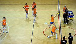 10-05-2011 VOLLEYBAL: TRAINING ORANJE VOLLEYBALVROUWEN: ALMERE<br /> De volleybalsters bereiden zich in Almere voor op nieuwe seizoen / Francien Huurman<br /> ©2011-FotoHoogendoorn.nl