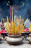Vietnam-temple-incense