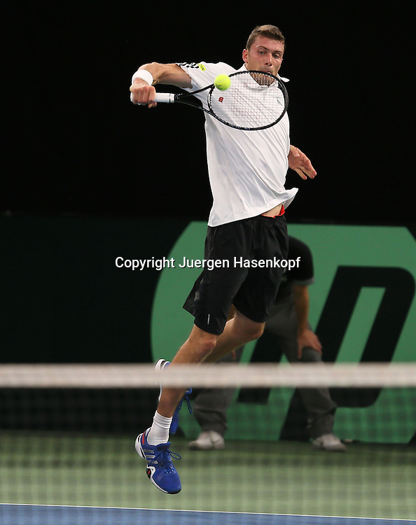 Davis Cup Deutschland gegen Brazilien in Ulm, ITF HerrenTennis Turnier,<br /> Daniel Brands (GER),Aktion<br /> Einzelbild,Ganzkoerper,Hochformat