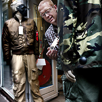 Nederland, Amsterdam , 8 oktober 2013.<br /> Eelco Fortuin van Goede Waar voor de rubriek de Voorvechter in Kassa Magazine van de VARA.<br /> Foto:Jean-Pierre Jans