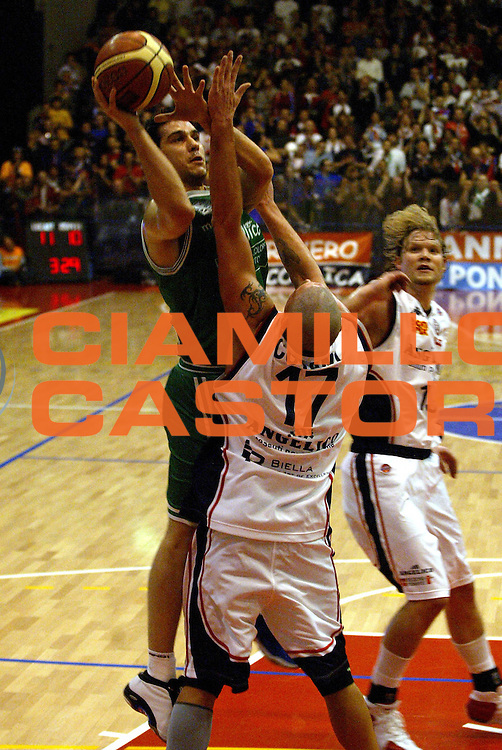 DESCRIZIONE : Biella Lega A1 2006-07 Angelico Biella Benetton Treviso<br /> GIOCATORE : Zisis<br /> SQUADRA : Benetton Treviso<br /> EVENTO : Campionato Lega A1 2006-2007<br /> GARA : Angelico Biella Benetton Treviso<br /> DATA : 18/02/2007<br /> CATEGORIA : Tiro<br /> SPORT : Pallacanestro<br /> AUTORE : Agenzia Ciamillo-Castoria/E.Pozzo