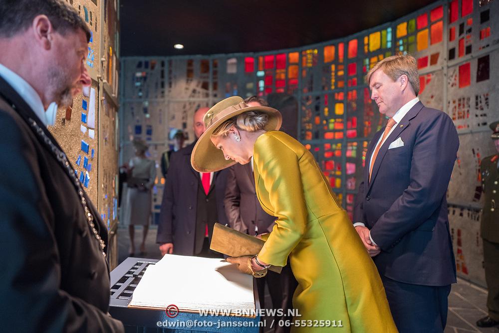LUX/Luxembug/20180523 - Staatbezoek Luxemburg 2018 dag 1, kranslegging en ondertekening gastenboek door Maxima
