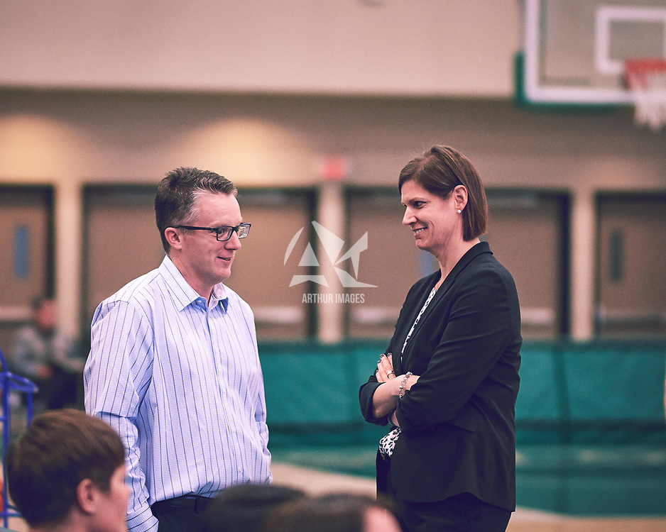 Women's Basketball Head Coach, Dave Taylor during the Women's Basketball Home Game on Fri Feb 01 at Centre for Kinesiology,Health and Sport. Credit: Arthur Ward/Arthur Images