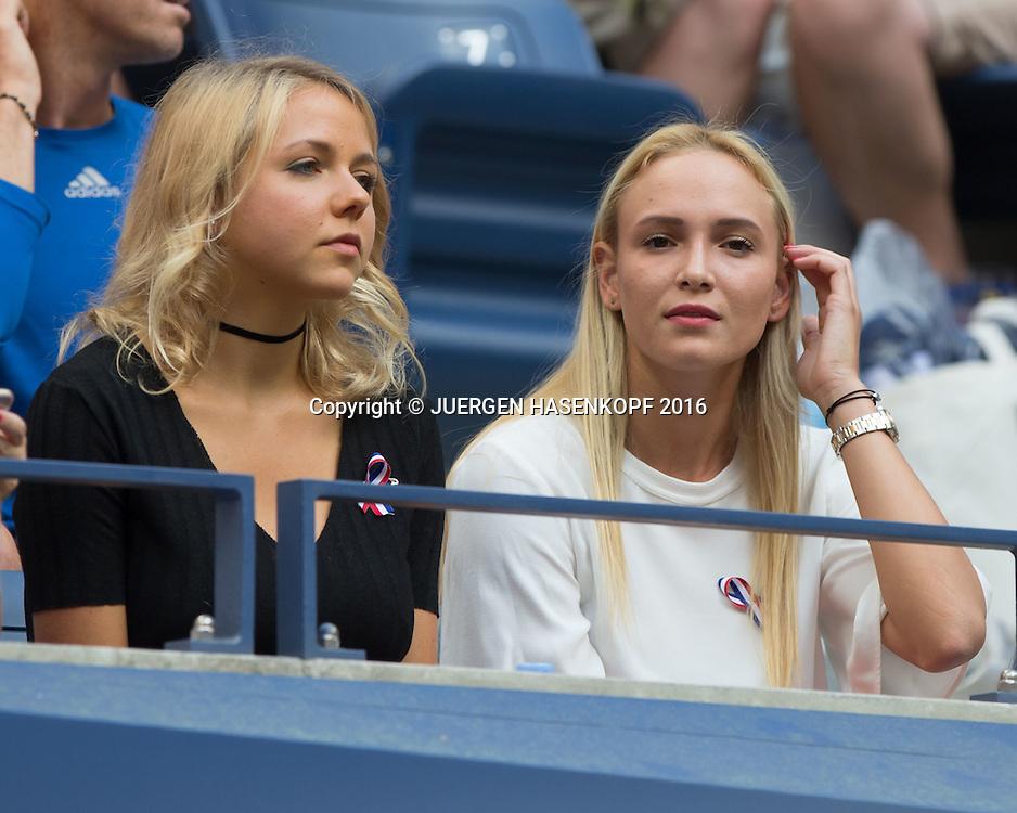 STAN WAWRINKA Familie in der Spielerloge beim Herren Finale, R-L Freundin Donna Vekic daneben Schwester  Naella Wawrinka,<br /> <br /> Tennis - US Open 2016 - Grand Slam ITF / ATP / WTA -  USTA Billie Jean King National Tennis Center - New York - New York - USA  - 11 September 2016.