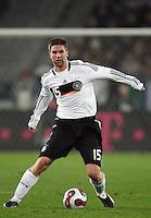 Fussball           EM Qualifikation        17.11.07 Deutschland - Zypern Thomas HITZLSPERGER (GER), Einzelaktion am Ball.