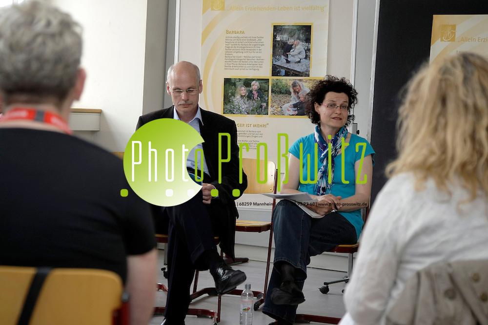 Mannheim. 18.05.2012. Rosengarten. Katholikentag 20112. Feature.<br /> Eberhard Gothein Schule. Programm<br /> <br /> Bild: Markus Proflwitz 18MAY12 / masterpress /