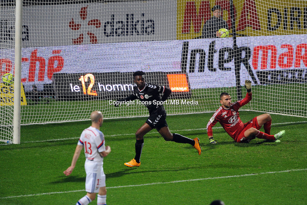 Benjamin MOUKANDJO apres son But  - 04.12.2014 - Lyon / Reims - 16eme journee de Ligue 1  <br />