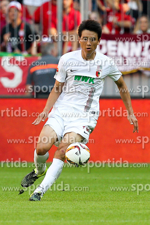 12.09.2015, Allianz Arena, Muenchen, GER, 1. FBL, FC Bayern Muenchen vs FC Augsburg, 4. Runde, im Bild Ja-Cheol Koo #19 (FC Augsburg) // during the German Bundesliga 4th round match between FC Bayern Munich and FC Augsburg at the Allianz Arena in Muenchen, Germany on 2015/09/12. EXPA Pictures &copy; 2015, PhotoCredit: EXPA/ Eibner-Pressefoto/ Kolbert<br /> <br /> *****ATTENTION - OUT of GER*****