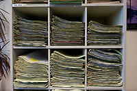 31 MAY 2010, BERLIN/GERMANY:<br /> Aktenmappen mit Faellen in einer Geschaeftsstelle, Sozialgericht Berlin<br /> IMAGE: 20100531-01-009<br /> KEYWORDS: Akte, Akten, Hartz IV