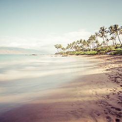 Maui Hawaii Mōkapu Beach photo in Wailea Makena with Maalaea Bay in the Pacific Ocean. Copyright ⓒ 2019 Paul Velgos with All Rights Reserved.