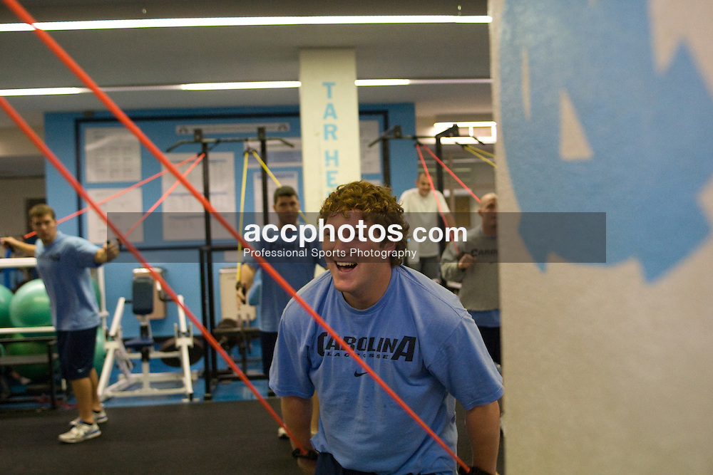 25 October 2007: North Carolina Tar Heels men's lacrosse member Shane Walterhoefer during a weight lifting session in Chapel Hill, NC.