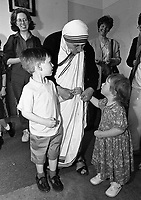 Mother Teresa of Calcutta with Gerard(3) and Maria Riney(1) from Rathfarnham, Dublin, circa June 1996 (Part of the Independent Newspapers Ireland/NLI Collection).