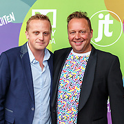 NLD/Hilversum/20150715 - Premiere Binnenstebuiten, Richard Groenendijk en partner Marko