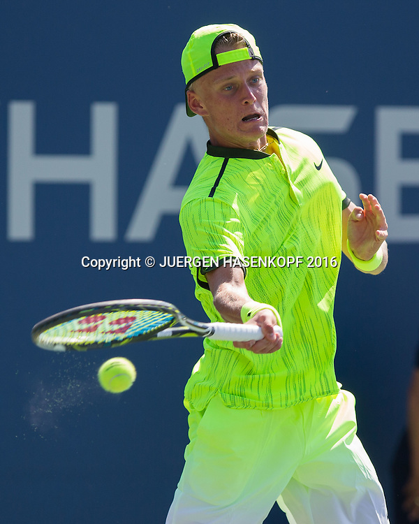 NICOLA KUHN (GER)<br /> <br /> Tennis - US Open 2016 - Grand Slam ITF / ATP / WTA -  USTA Billie Jean King National Tennis Center - New York - New York - USA  - 4 September 2016.