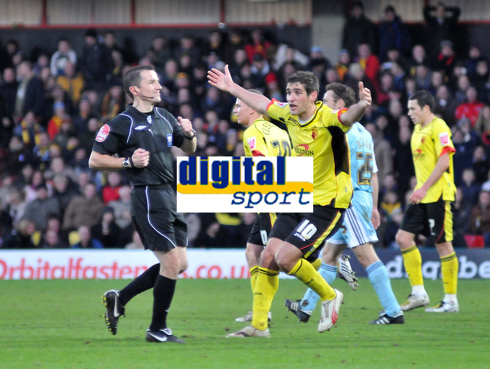 Photo: Richard Lane/Richard Lane Photography. Watford v Derby County. Coca Cola Championship. 12/12/2009. <br /> Watfords Danny Graham appeals to referee Keith Stroud for a foul