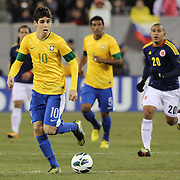 Oscar, Brazil, in action during the Brazil V Colombia International friendly football match at MetLife Stadium, New Jersey. USA. 14th November 2012. Photo Tim Clayton