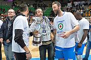 DESCRIZIONE : Final Eight Coppa Italia 2015 Finale Olimpia EA7 Emporio Armani Milano - Dinamo Banco di Sardegna Sassari<br /> GIOCATORE : Manuel Vannuzzo<br /> CATEGORIA : esultanza post game post game<br /> SQUADRA : Banco di Sardegna Sassari<br /> EVENTO : Final Eight Coppa Italia 2015<br /> GARA : Olimpia EA7 Emporio Armani Milano - Dinamo Banco di Sardegna Sassari<br /> DATA : 22/02/2015<br /> SPORT : Pallacanestro <br /> AUTORE : Agenzia Ciamillo-Castoria/Max.Ceretti