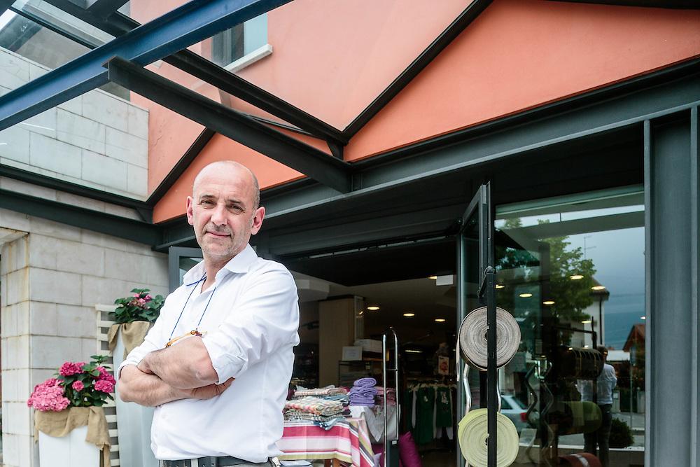 06 JUN 2013 - Resana (TV) - Roberto Aggio, titolare del negozio di abbigliamento Aggio