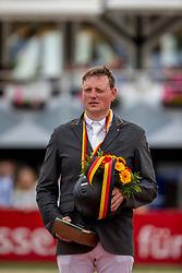 Wernke Jan (GER)<br /> Balve - Longines Optimum 2019<br /> Siegerehrung<br /> LONGINES Optimum Preis<br /> Deutsche Meisterschaft der Springreiter<br /> Finalwertung<br /> 16. Juni 2019<br /> © www.sportfotos-lafrentz.de/Stefan Lafrentz