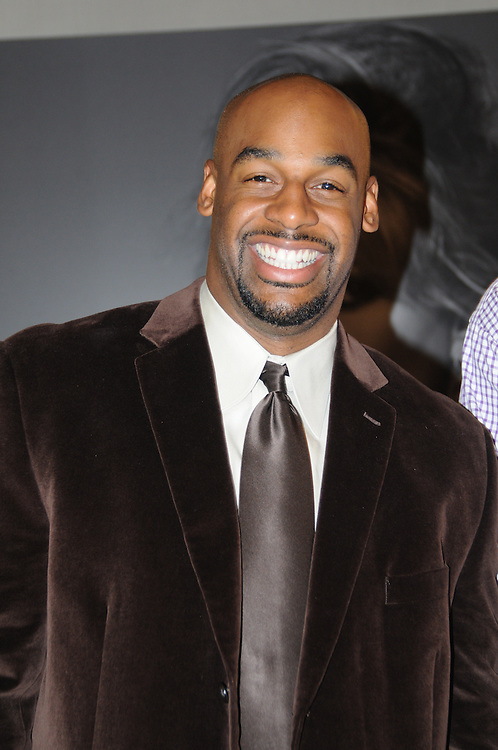 Donovan McNabb of The Philadelphia Eagles hosts David Yurman Event & Men's Vogue November 10, 2008 at the David Yurman store in King of Prussia, Pennsylvania. (Photo by Lisa Lake/WireImage)