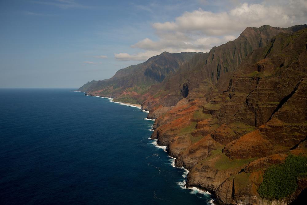 Napali Coast, Kauai, Hawaii. Photograph © 2013 Darren Carroll