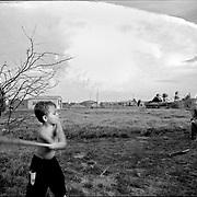 DAILY VENEZUELA / VENEZUELA COTIDIANA.Zapara Island. Zulia State, Venezuela 2002.(Copyright © Aaron Sosa)