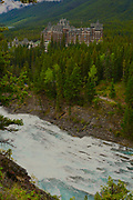 Bow River and Cascade Mountains, Bow River hotel, Banf, Banf National Park, Alberta, Canada