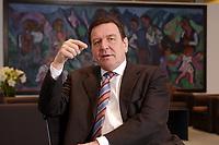 09 JAN 2002, BERLIN/GERMANY:<br /> Gerhard Schroeder, SPD, Bundeskanzler, waehrend einem Interiew, in seinem Buero, Bundeskanzleramt<br /> Gerhard Schroeder, SPD, Federal Chancellor of Germany, during an interview, in his office<br /> IMAGE: 20020109-02-006<br /> KEYWORDS: Gerhard Schr&ouml;der