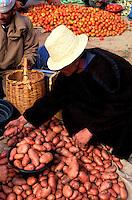 Maroc - Marrakech - Souk au  nord de Marrakech - Marché