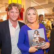 NLD/Amsterdam/20160529 , Boekpresentatie Het Groot Nederlands Knuffelboek van Gallyon van Vessem, Gallyon van Vessem met partner Greg de Jong