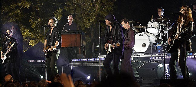Bruce Springsteen & The E Street Band - MTV Video Music Awards 2002 - American Museum of Natural History