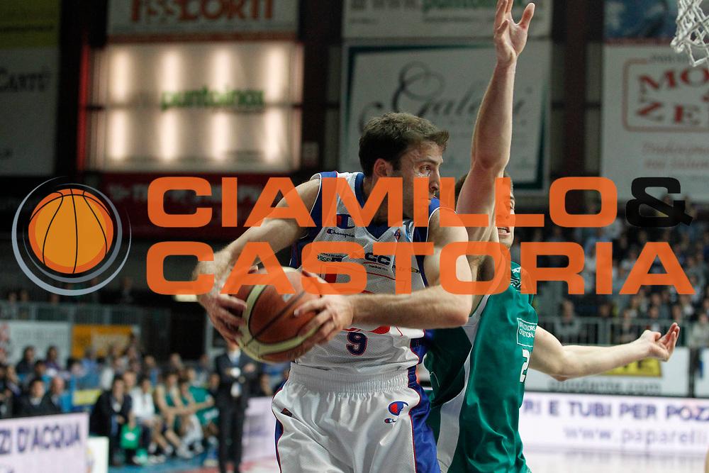 DESCRIZIONE : Cantu Campionato Lega A 2011-12 Bennet Cantu Benetton Treviso<br /> GIOCATORE : Manuchar Markoishvili<br /> CATEGORIA : Rimbalzo<br /> SQUADRA : Bennet Cantu<br /> EVENTO : Campionato Lega A 2011-2012<br /> GARA : Bennet Cantu Benetton Treviso<br /> DATA : 26/02/2012<br /> SPORT : Pallacanestro<br /> AUTORE : Agenzia Ciamillo-Castoria/G.Cottini<br /> Galleria : Lega Basket A 2011-2012<br /> Fotonotizia : Cantu Campionato Lega A 2011-12 Bennet Cantu Benetton Treviso<br /> Predefinita :