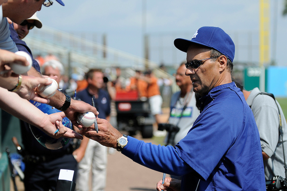 March 10, 2008 - Ft. Lauderdale, FL<br /> <br /> Manager Joe Torre signs autographs for fans before the Dodgers game with the Baltimore Orioles at Ft. Lauderdale Stadium in Ft. Lauderdale, Florida.<br /> <br /> JC Ridley/CSM