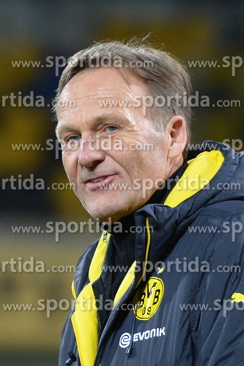 03.03.2015, Stadion Dresden, Dresden, GER, DFB Pokal, SG Dynamo Dresden vs Borussia Dortmund, Achtelfinale, im Bild Hans-Joachim (Aki) Watzke (Geschaeftsfuehrer, Borussia Dortmund) // during German DFB Pokal last sixteen match between SG Dynamo Dresden and Borussia Dortmund at the Stadion Dresden in Dresden, Germany on 2015/03/03. EXPA Pictures &copy; 2015, PhotoCredit: EXPA/ Eibner-Pressefoto/ Harzer<br /> <br /> *****ATTENTION - OUT of GER*****