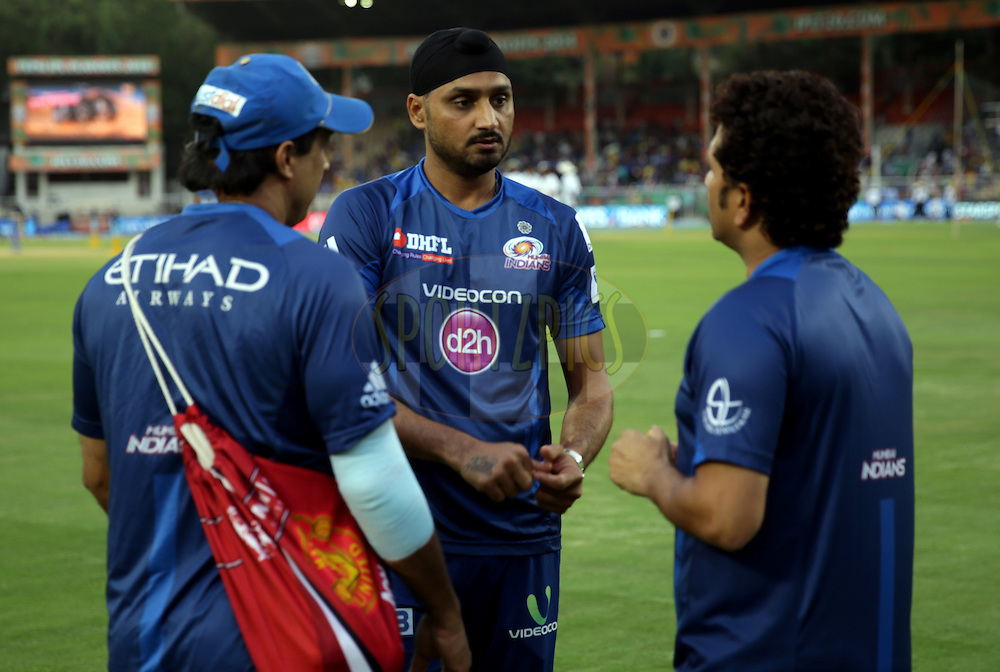 Harbhajan Singh of the Mumbai Indians, Sachin Tendulkar Mentor of Mumbai Indians and Robin Singh assistant Feilding coach of the Mumbai Indians before the eliminator match of the Pepsi Indian Premier League Season 2014 between the Chennai Superkings and the Mumbai Indians held at the Brabourne Stadium, Mumbai, India on the 28th May  2014<br /> <br /> Photo by Sandeep Shetty / IPL / SPORTZPICS<br /> <br /> <br /> <br /> Image use subject to terms and conditions which can be found here:  http://sportzpics.photoshelter.com/gallery/Pepsi-IPL-Image-terms-and-conditions/G00004VW1IVJ.gB0/C0000TScjhBM6ikg