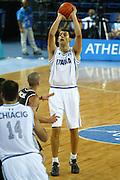 ATENE, 15 AGOSTO 2004<br /> BASKET, OLIMPIADI ATENE 2004<br /> ITALIA - NUOVA ZELANDA<br /> NELLA FOTO: LUCA GARRI<br /> FOTO CIAMILLO