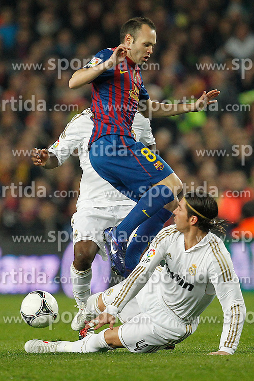 25.01.2012, Stadion Camp Nou, Barcelona, ESP, Copa del Rey, FC Barcelona vs Real Madrid, im Bild Barcelona's Andres Iniesta and Real Madrid's Sergio Ramos // during the football match of spanish Copy del Rey, between FC Barcelona and Real Madrid at Camp Nou stadium, Barcelona, Spain on 2012/01/25. EXPA Pictures © 2012, PhotoCredit: EXPA/ Alterphotos/ Cesar Cebolla..***** ATTENTION - OUT OF ESP and SUI *****