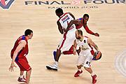 DESCRIZIONE : Madrid Eurolega Euroleague 2014-15 Final Four Semifinal Semifinale Cska Moscow Olympiacos Piraeus Athens Cska Mosca Olympiacos Atene <br /> GIOCATORE : Vassilis Spanoulis Bryant Dunston<br /> SQUADRA : Team Olympiacos<br /> CATEGORIA : palleggio blocco difesa sequenza<br /> EVENTO : Eurolega 2014-2015<br /> GARA : Cska Mosca Olympiacos Atene<br /> DATA : 15/05/2015<br /> SPORT : Pallacanestro<br /> AUTORE : Agenzia Ciamillo-Castoria/GiulioCiamillo<br /> Galleria : Eurolega 2014-2015<br /> DESCRIZIONE : Madrid Eurolega Euroleague 2014-15 Final Four Semifinal Semifinale Cska Moscow Olympiacos Piraeus Athens Cska Mosca Olympiacos