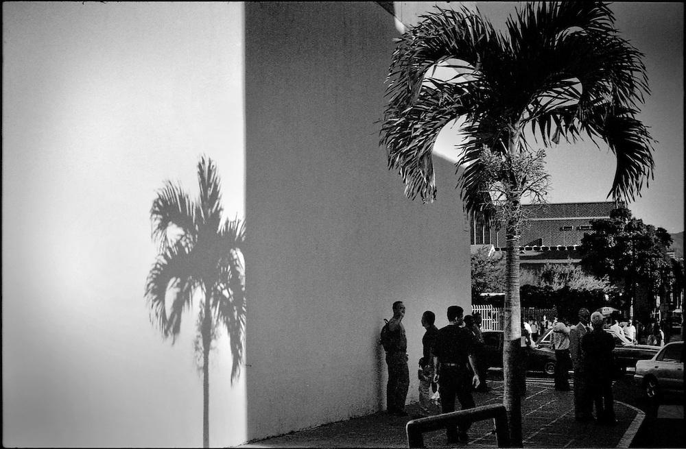 CARA-cas.Photography by Aaron Sosa.Caracas - Venezuela 2005.(Copyright © Aaron Sosa)